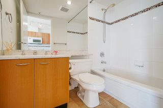 """Photo 11: 2109 1331 ALBERNI Street in Vancouver: West End VW Condo for sale in """"The Lions"""" (Vancouver West)  : MLS®# R2625377"""