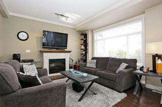 """Photo 3: 17 5623 TESKEY Way in Chilliwack: Promontory Townhouse for sale in """"Wisteria Heights"""" (Sardis)  : MLS®# R2531032"""