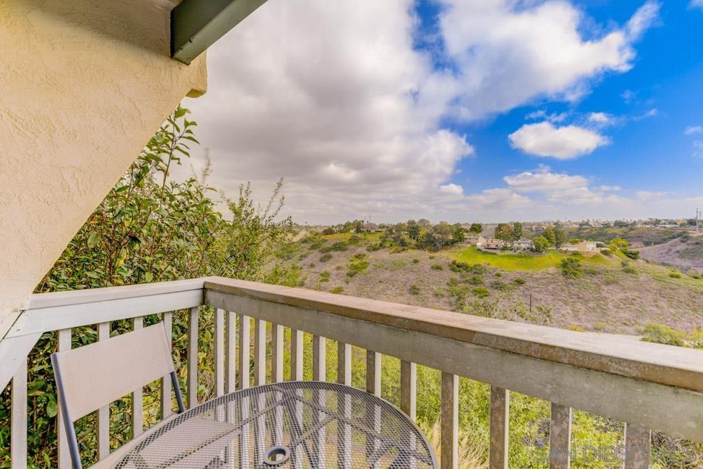 Main Photo: BAY PARK Condo for sale : 2 bedrooms : 2935 Cowley Way #B in San Diego