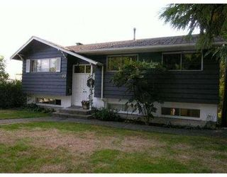 Photo 1: 903 E 4TH Street in North_Vancouver: Queensbury House for sale (North Vancouver)  : MLS®# V675465