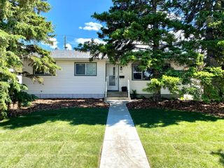Main Photo: 26 Fairway Avenue: Red Deer Detached for sale : MLS®# A1081955