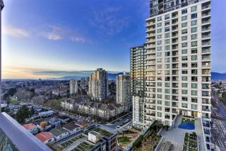 """Photo 13: 1904 5665 BOUNDARY Road in Vancouver: Collingwood VE Condo for sale in """"Wall Centre Central Park"""" (Vancouver East)  : MLS®# R2522154"""