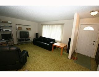 Photo 2:  in CALGARY: Rundle Residential Detached Single Family for sale (Calgary)  : MLS®# C3280892