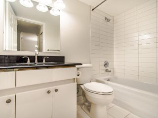 """Photo 15: 109 1189 WESTWOOD Street in Coquitlam: North Coquitlam Condo for sale in """"LAKESIDE TERRACE"""" : MLS®# R2483775"""