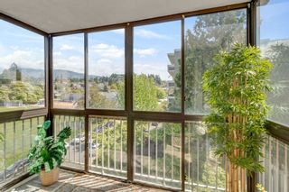"""Photo 15: 503 1390 DUCHESS Avenue in West Vancouver: Ambleside Condo for sale in """"WESTVIEW TERRACE"""" : MLS®# R2579675"""