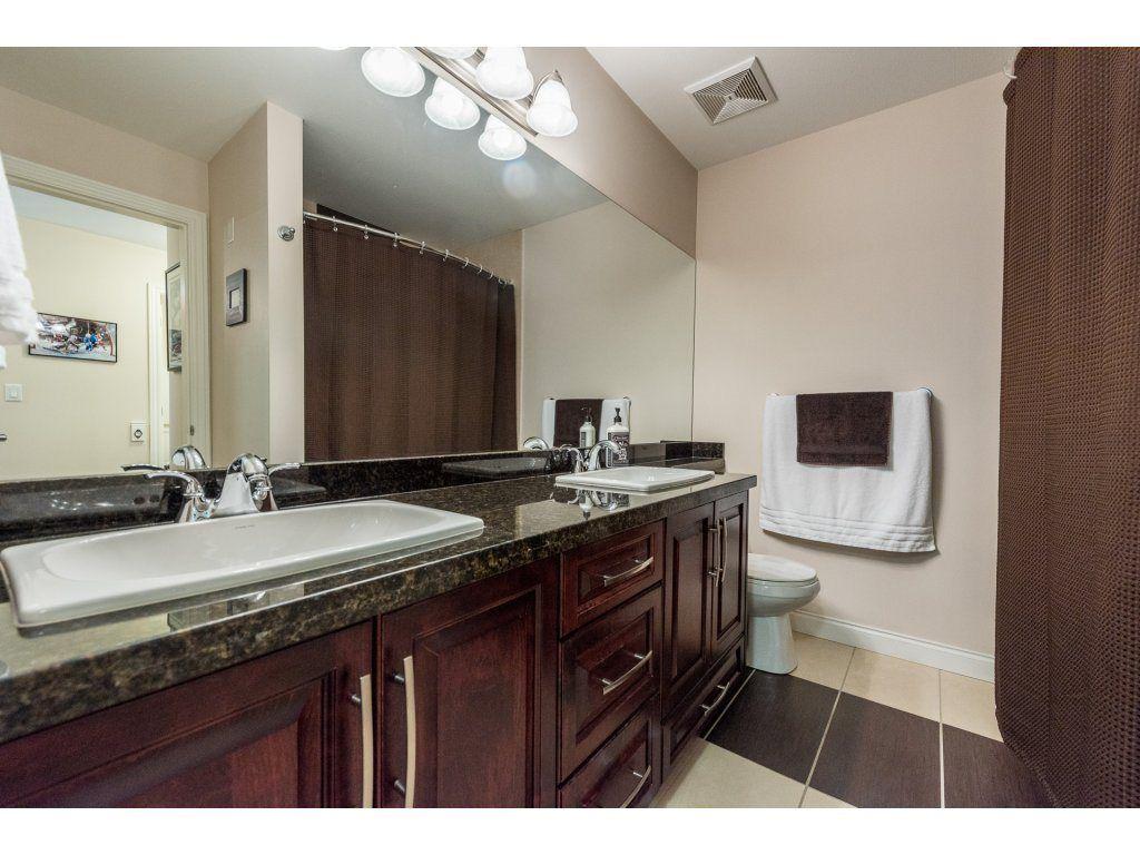 Photo 11: Photos: 405 19939 55A AVENUE in Langley: Langley City Condo for sale : MLS®# R2160675