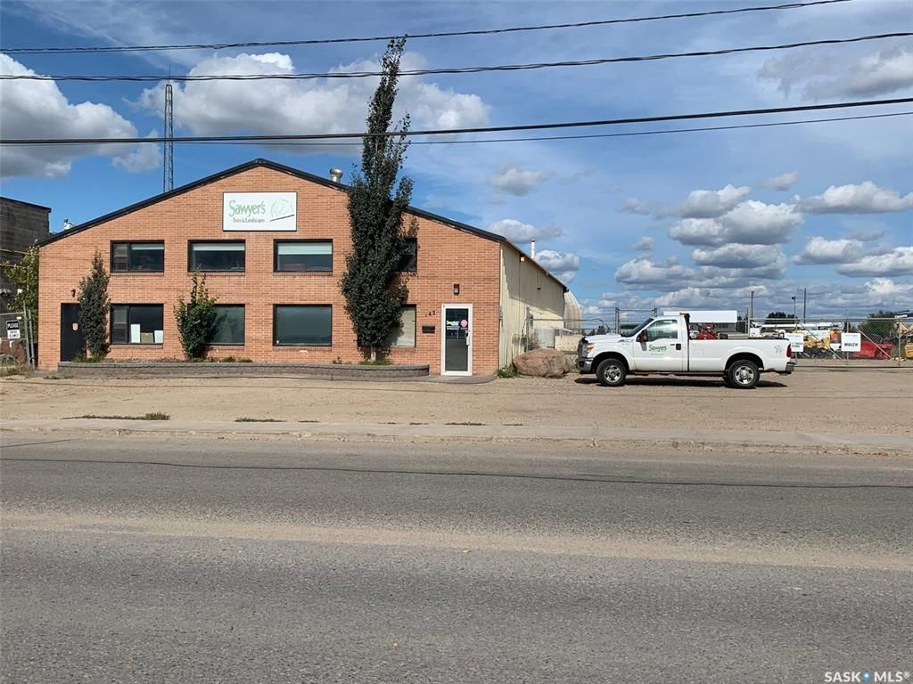 Main Photo: 142 105th Street East in Saskatoon: Sutherland Industrial Commercial for sale : MLS®# SK871122