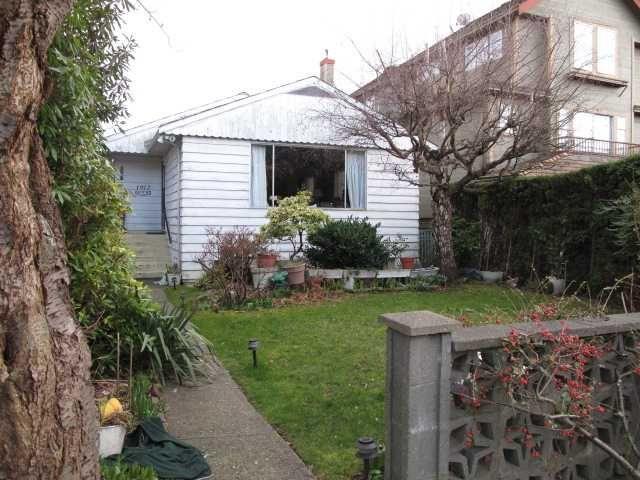 Main Photo: 1912 WHYTE AV in Vancouver: Kitsilano House for sale (Vancouver West)  : MLS®# V935652