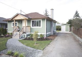 Photo 1: 410 Walter Ave in Victoria: Residential for sale : MLS®# 283473