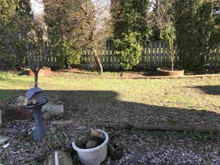 """Photo 2: 5263 WOODSWORTH Street in Burnaby: Central BN House for sale in """"Burnaby Hospital"""" (Burnaby North)  : MLS®# R2537096"""