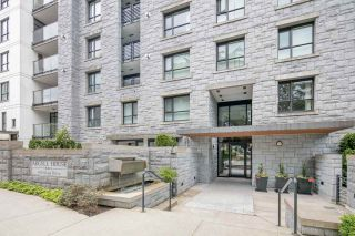 """Photo 2: 405 6018 IONA Drive in Vancouver: University VW Condo for sale in """"Argyll House West"""" (Vancouver West)  : MLS®# R2178903"""