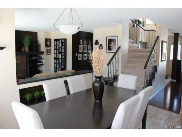 Photo 5: Photos: 100 Harding Crescent in WINNIPEG: St Vital Residential for sale (South East Winnipeg)  : MLS®# 1403083
