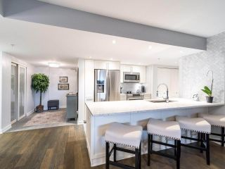"""Photo 8: 211 2665 W BROADWAY in Vancouver: Kitsilano Condo for sale in """"MAGUIRE BUILDING"""" (Vancouver West)  : MLS®# R2550864"""