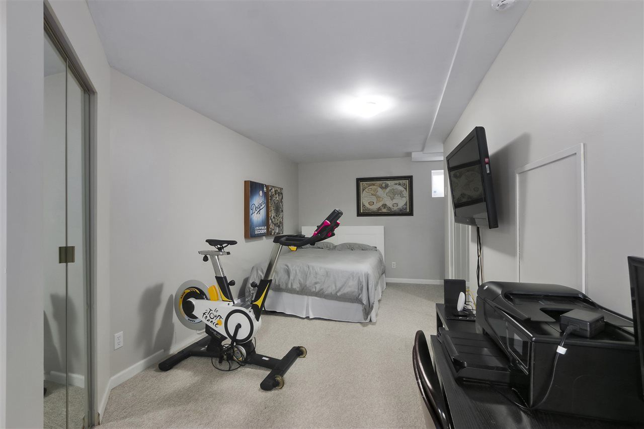 Photo 17: Photos: 154 W 12TH STREET in North Vancouver: Central Lonsdale Townhouse for sale : MLS®# R2487434