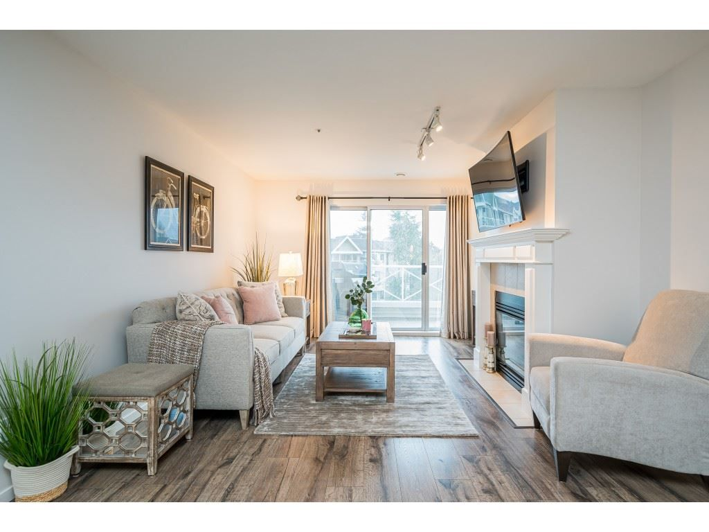 """Photo 6: Photos: 312 5568 201A Street in Langley: Langley City Condo for sale in """"Michaud Gardens"""" : MLS®# R2563265"""