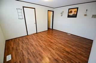 Photo 5: 13326 HIGHLEVEL Crescent: Charlie Lake Manufactured Home for sale (Fort St. John (Zone 60))  : MLS®# R2126238