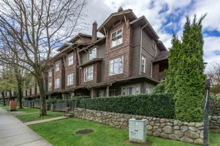 """Photo 1: 242 600 PARK Crescent in New Westminster: GlenBrooke North Townhouse for sale in """"THE ROYCROFT"""" : MLS®# R2158837"""