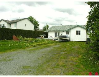 "Photo 9: 34694 5TH Avenue in Abbotsford: Poplar House for sale in ""HUNTINGDON VILLAGE"" : MLS®# F2909890"