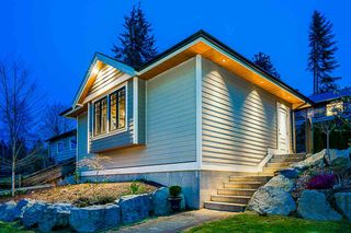 Photo 6: 3325 VIEWMOUNT Drive in Port Moody: Port Moody Centre House for sale : MLS®# R2257161