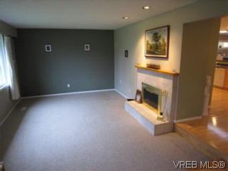 Photo 4: 569 Langholme Dr in VICTORIA: Co Wishart North House for sale (Colwood)  : MLS®# 528948