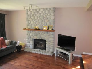 Photo 2: 23280 118 Avenue in Maple Ridge: Cottonwood MR House for sale : MLS®# R2058879