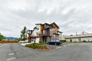 """Photo 2: 24 46570 MACKEN Avenue in Chilliwack: Chilliwack N Yale-Well Townhouse for sale in """"Parkside Place"""" : MLS®# R2318038"""