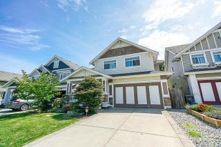 """Photo 1: 8328 209A Street in Langley: Willoughby Heights House for sale in """"Lakeside at Yorkson"""" : MLS®# R2408495"""