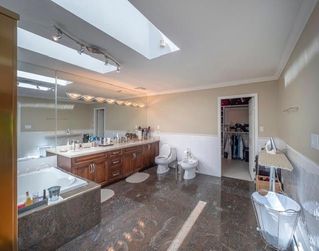 Photo 21: Photos: 2426 Westhill Court Upper in West Vancouver: Westhill House for rent
