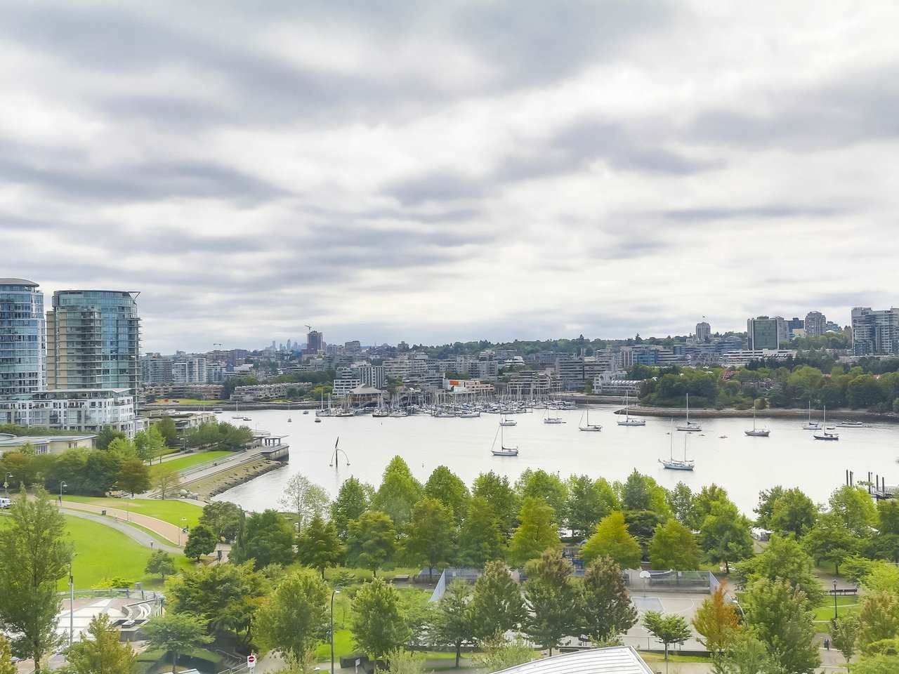 """Main Photo: 1202 1408 STRATHMORE Mews in Vancouver: Yaletown Condo for sale in """"WEST ONE"""" (Vancouver West)  : MLS®# R2326938"""