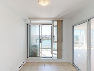"""Photo 11: 2607 1033 MARINASIDE Crescent in Vancouver: Yaletown Condo for sale in """"QUAY WEST"""" (Vancouver West)  : MLS®# R2604092"""