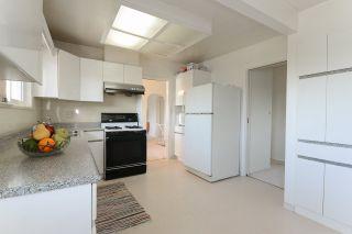 Photo 14: 9031 GLENALLAN Gate in Richmond: Saunders House for sale : MLS®# R2554605