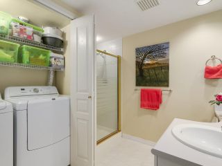 """Photo 13: 206 1144 STRATHAVEN Drive in North Vancouver: Northlands Condo for sale in """"Strathaven"""" : MLS®# R2217915"""
