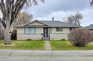 Main Photo: 4732 Worcester Drive SW in Calgary: Wildwood Detached for sale : MLS®# A1098541