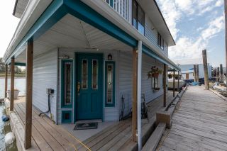 """Photo 4: 23240 DYKE Road in Richmond: Hamilton RI House for sale in """"Waterfront Property with Float Home(s)"""" : MLS®# R2606425"""
