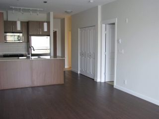Photo 8: 310 2943 NELSON Place in Abbotsford: Central Abbotsford Condo for sale : MLS®# R2430141