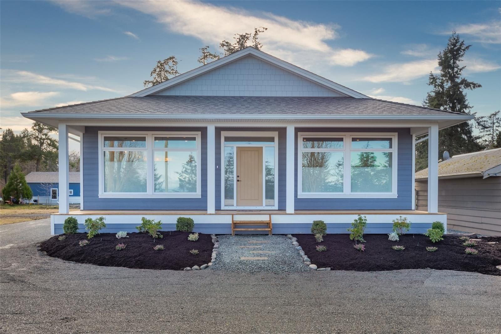 Main Photo: 4335 S Island Hwy in : CR Campbell River South House for sale (Campbell River)  : MLS®# 865710