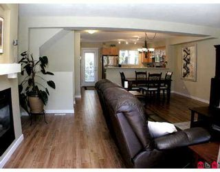 """Photo 4: 35 6651 203RD Street in Langley: Willoughby Heights Townhouse for sale in """"Sunscape"""" : MLS®# F2719428"""