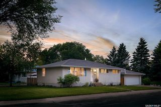 Photo 1: 11 Ling Street in Saskatoon: Greystone Heights Residential for sale : MLS®# SK869591