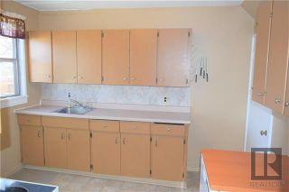 Photo 4: 12 Beaumont Bay in Winnipeg: West Fort Garry Residential for sale (1Jw)  : MLS®# 1828390