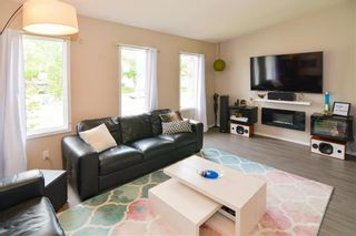 Photo 4: 199 Leahcrest Crescent in Winnipeg: Maples Residential for sale (4H)  : MLS®# 202114158