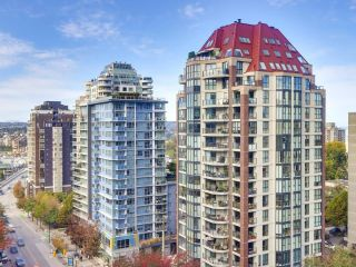 """Photo 12: 1304 1238 BURRARD Street in Vancouver: Downtown VW Condo for sale in """"ALTADENA"""" (Vancouver West)  : MLS®# R2620701"""