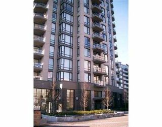 Photo 3: 804, 151, West 2nd Street in North Vancouver: Lower Lonsdale Condo for sale : MLS®# V648553