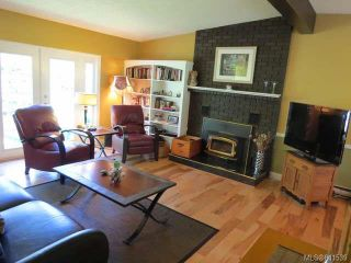 Photo 3: 1955 HOLLY PLACE in COMOX: Z2 Comox (Town of) House for sale (Zone 2 - Comox Valley)  : MLS®# 641539
