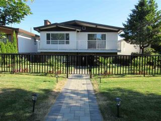 """Main Photo: 1522 E 54TH Avenue in Vancouver: Fraserview VE House for sale in """"FRASERVIEW"""" (Vancouver East)  : MLS®# R2586962"""