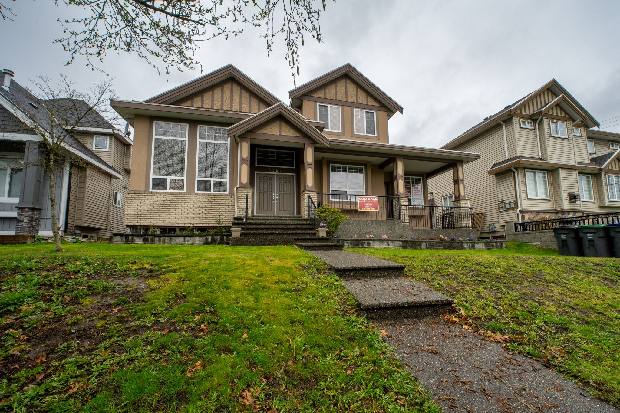 Main Photo: 6781 152 in surrey: East Newton House for sale (Surrey)