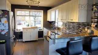 Photo 2: 3824 Memorial Drive in Halifax: 3-Halifax North Residential for sale (Halifax-Dartmouth)  : MLS®# 202125376