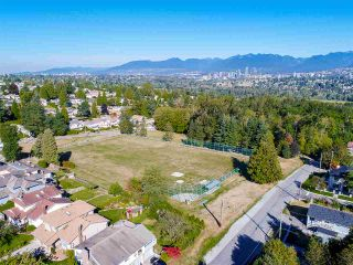 """Photo 18: 5815 BURNS Place in Burnaby: Upper Deer Lake House for sale in """"Upper Dear Lake"""" (Burnaby South)  : MLS®# R2208799"""