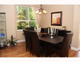 """Photo 5: 224 1465 PARKWAY Boulevard in Coquitlam: Westwood Plateau Townhouse for sale in """"SILVER OAKS"""" : MLS®# V787781"""