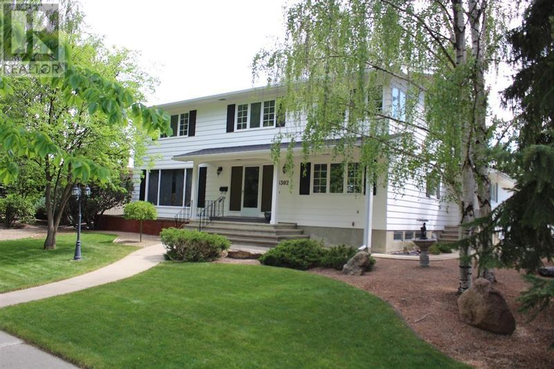 FEATURED LISTING: 3302 South Parkside Drive South Lethbridge