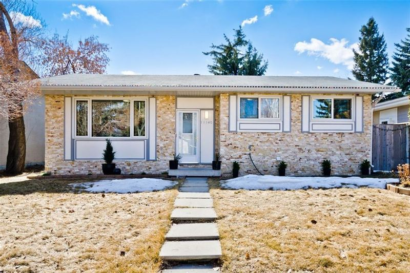 FEATURED LISTING: 11140 BRAESIDE Drive Southwest Calgary